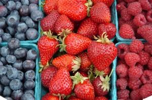 Frutti di bosco e fragola aiutano a combattere la cellulite