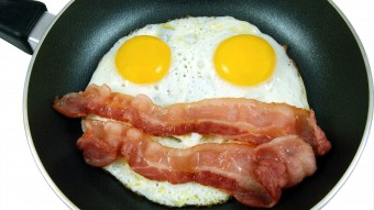 uova pancetta padella